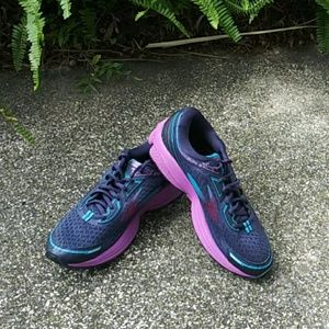 Brooks Aduro 5 sz 10 Medium (B)